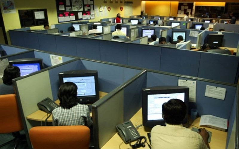 Indore International Call Center Mastermind Five Youth of Ahmedabad