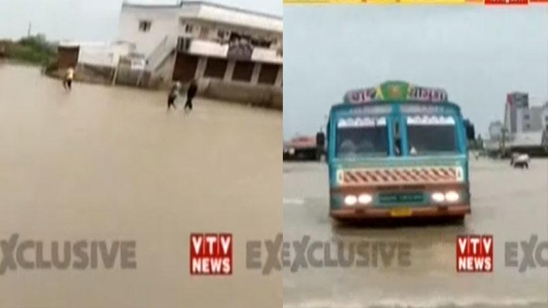 ભાવનગર-ધોલેરા હાઇવે પર વરસાદ બાદ પણ પાણીનું સામ્રાજ્ય યથાવત, સ્થાનિકોને હાલાકી