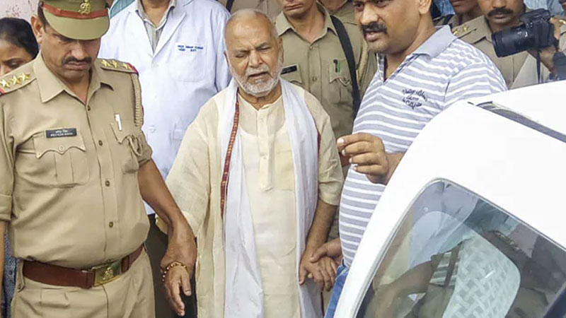Shahjahanpur rape case accused bjp leader chinmayanand sent to jail for 14 days
