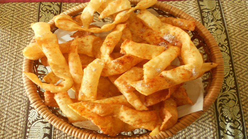 Know how to make Cholafali At Home, simple Recipe to make dough on Diwali 2019