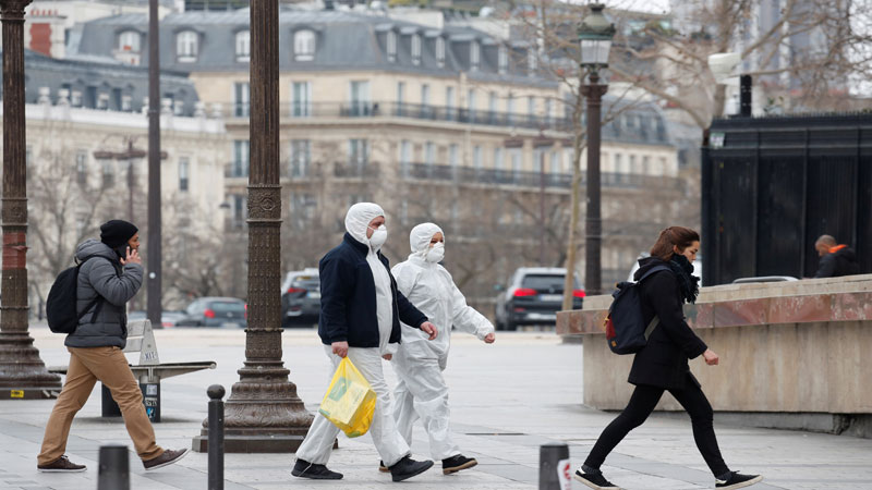 countrywide curfew again in france and more than 2.5 crore corona patients in USA