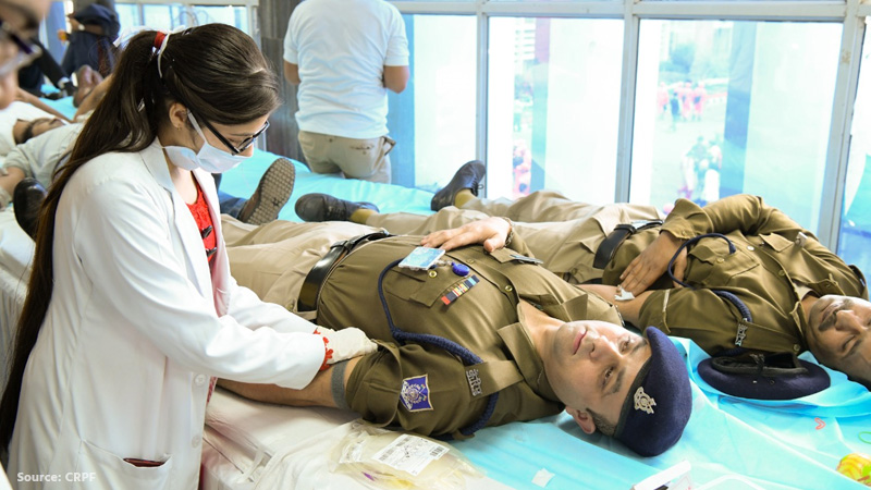 delhi riots crpf personnel donate blood at gtb hospital