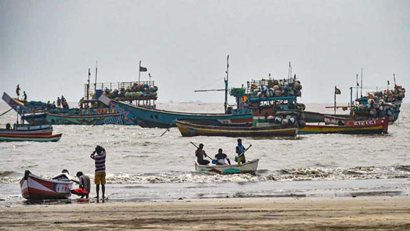 cyclone nisarga imd alert maharashtra gujarat cyclonic storm heavy rain