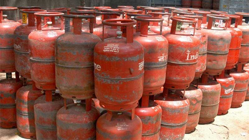 lpg services indian oil demand for lpg cylinders rising ioc urges people not to panic