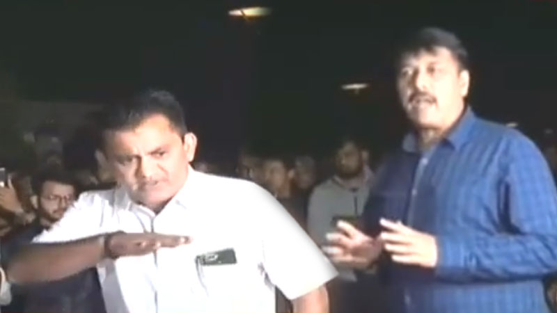 Congress Paresh Dhanani amit Chawda Hardik Patel meet bin sachivalay candidates Gandhinagar