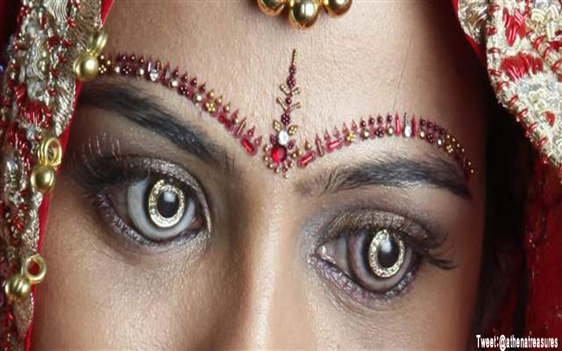 You can buy diamond contact lenses in Surat