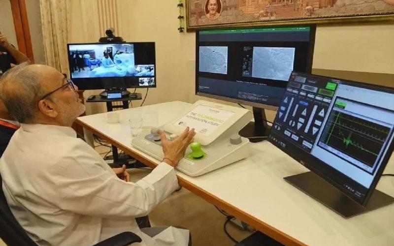 હોસ્પિટલથી 35 કિ.મીનાં અંતરે ડૉક્ટરે કરી મહિલાની હાર્ટ સર્જરી  સર્જ્યો વિશ્વરેકોર્ડ