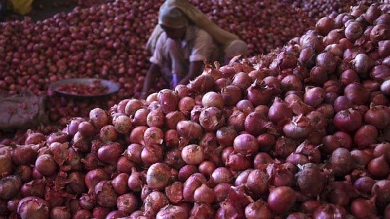 Delhi government will soon sell cheap onions