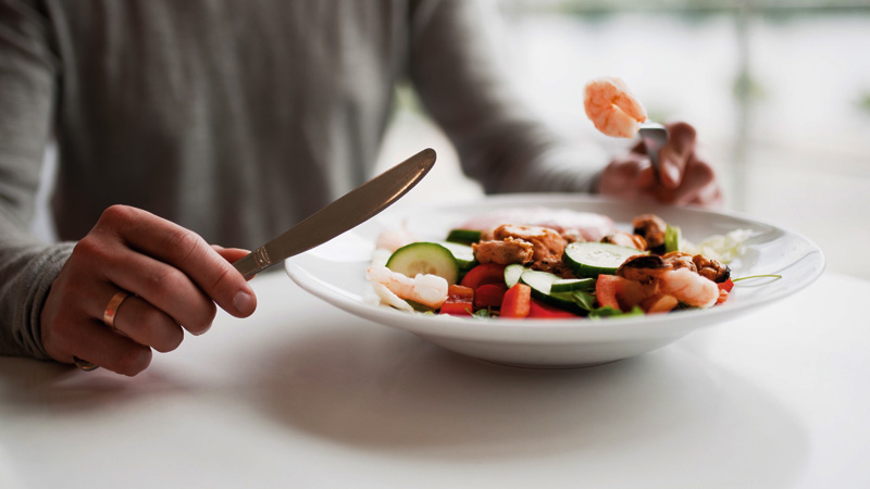 Know bad eating habits that is harmful to your health