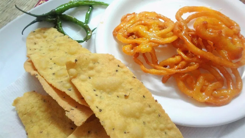 Make Tasty and Healthy Fafda and Mawa Jalebi at home on Dashera Festival