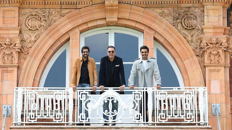 boman irani joins ranveer singh on film 83 set will play farokh engineer character