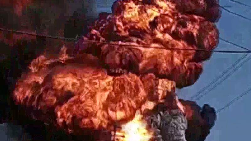 delhi fire bawana card board factory  fire tenders rushed to spot