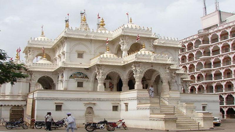 gujarat Gadhada gopinathji swaminarayan mandir controversy dev paksh acharya paksh