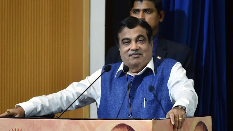 At a speed of 170, Nitin Gadkari inspected the highway