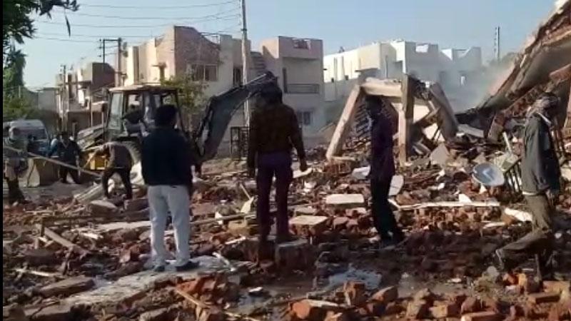 Gandhinagar Blast in cylinder two building collapse