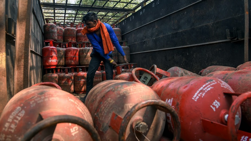 LPG gas Cylinder delivery waiting period increased from 1 to 3 days check details