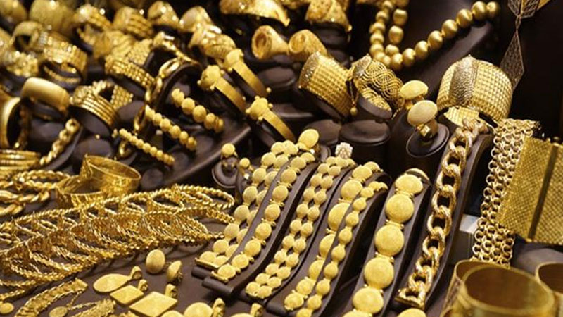gold price drops down 3 percent on the day after fed minutes push back on yield curve control program
