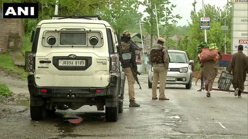 colonel major among 5 killed in encounter in jammu kashmirs handwara