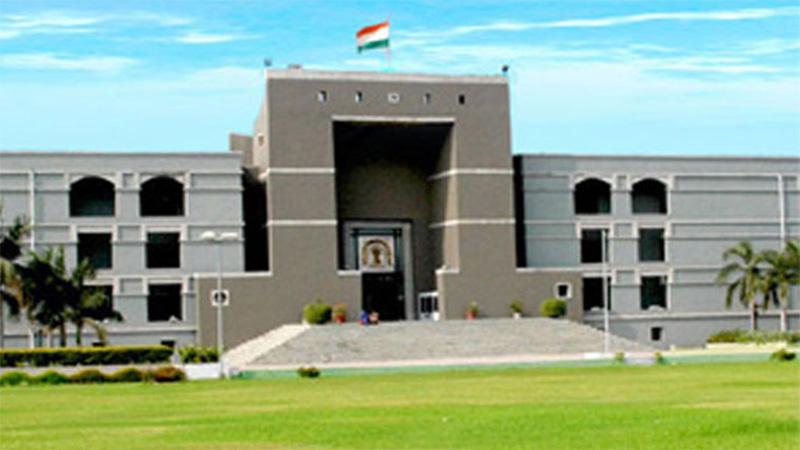 coronavirus in Ahmedabad Gujarat high court statement on pela about AMC commissioner