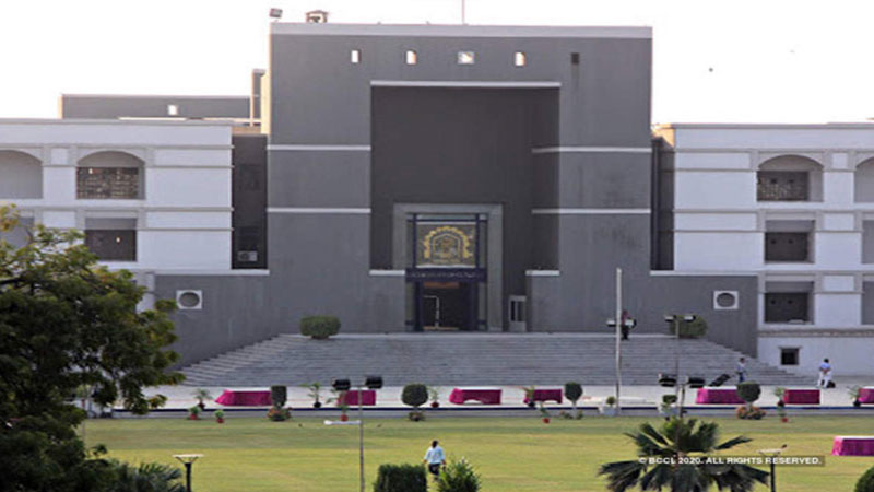 gujarat High Court seven employees corona positive Court 3 days close