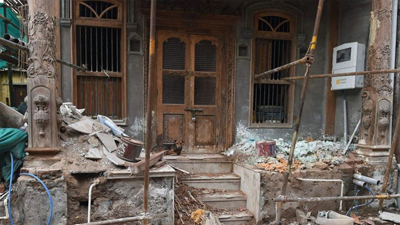 Gujarat AMC breakdown old health quarters local people opposed it