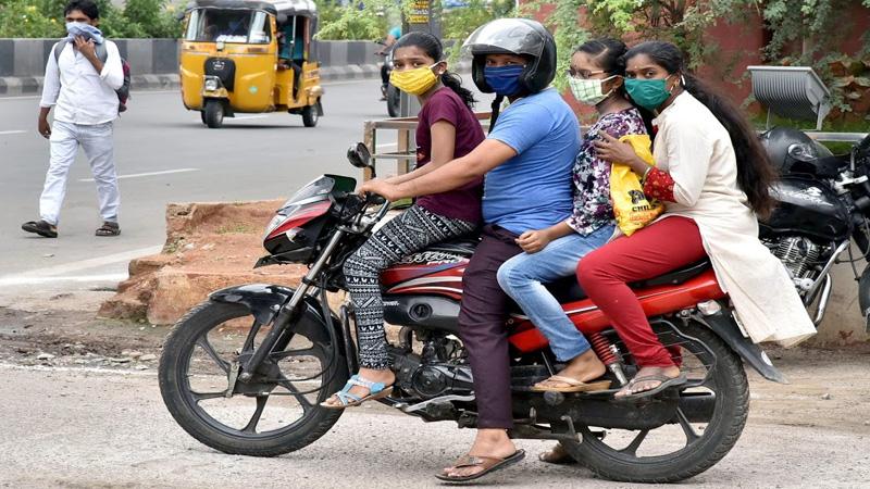 fact check social media platform whatsapp viral fake news vehicle act and helmet