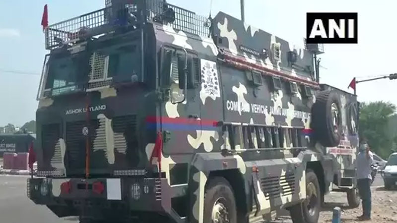 jk police inducts hitech command vehicle