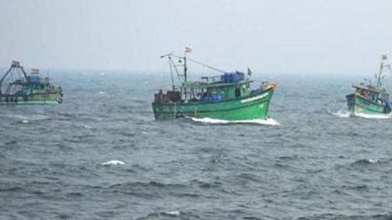 Porbandar boats Arabian Sea have 7 fishermen killed
