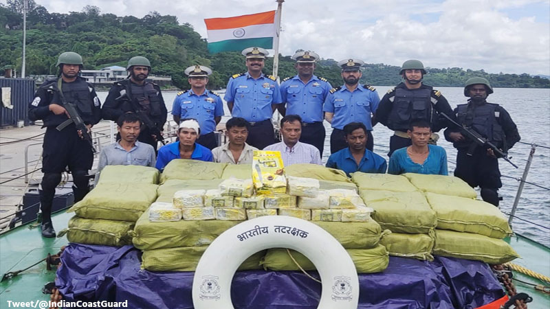 National indian coast guard team arrested 6 myanmarese with drug of 300 crores
