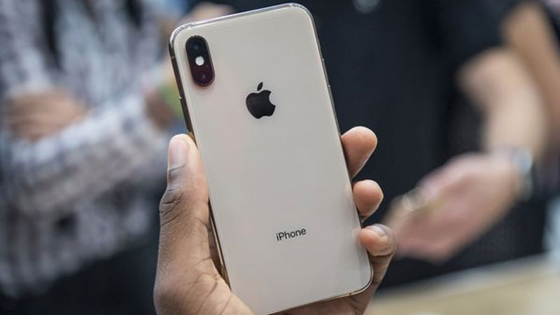 hackers can break into an iphone just by sending a text
