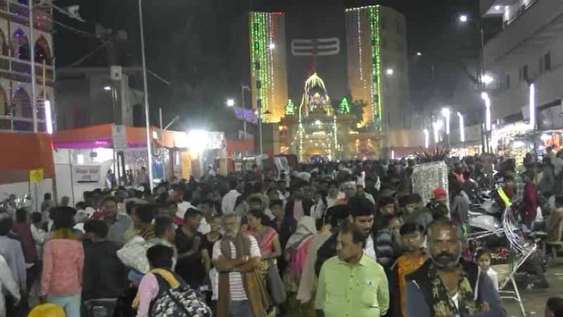 Many People visit Junagadh Maha Shivratri mela