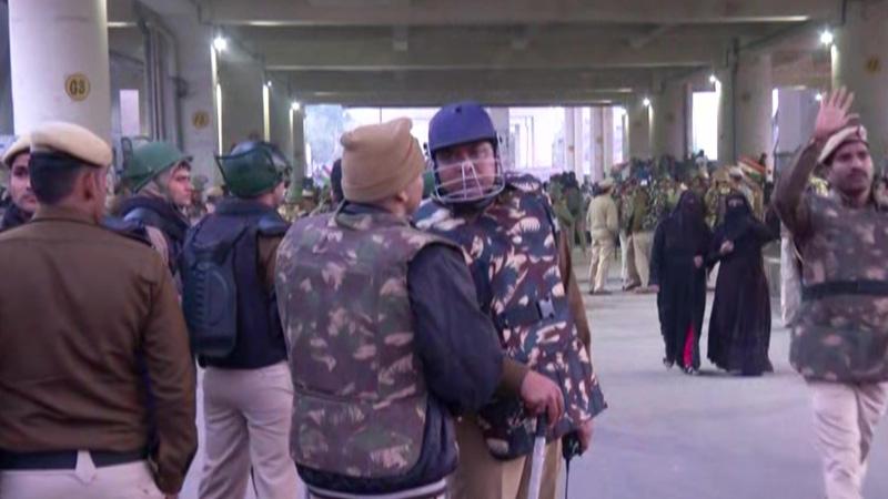Delhi jafrabad anti caa protest metro road shaheen bagh protest