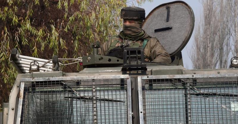 one man injured firing sonwar srinagar police search operation