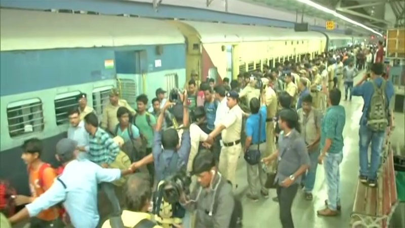 138 Workers Brought Back From Srinagar to Kolkata in View of October Terror Attack