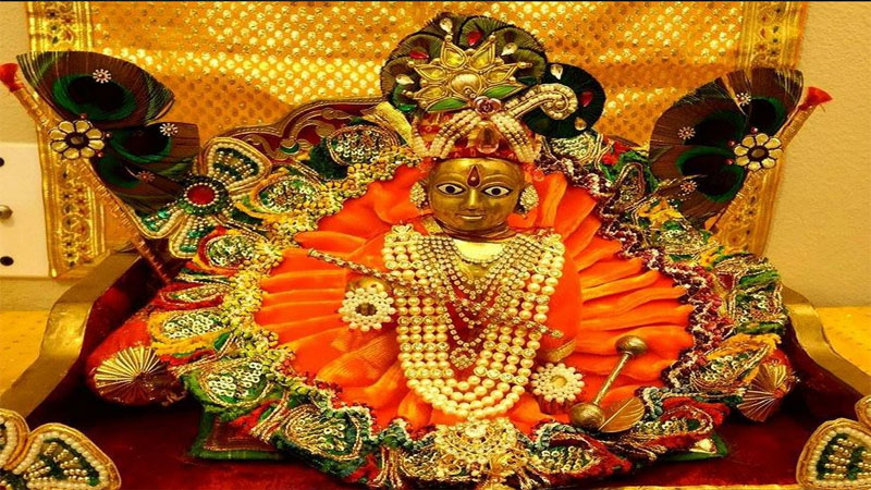 know the Benefit and meaning of Astakshar Mantra For Shree Krishna on Janmashtami