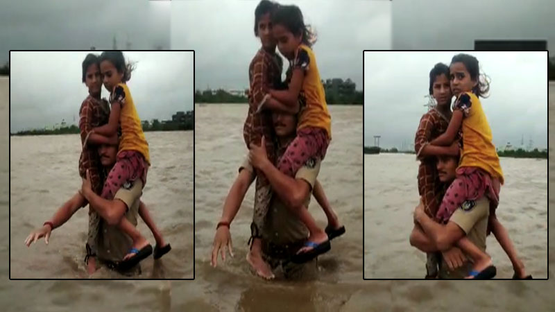 Morbi police Constable rescued students NDRF