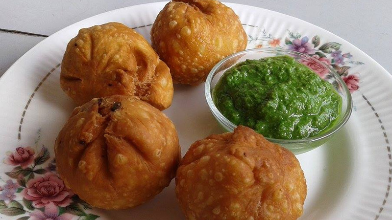 Gujarati tuver lilva kachori recipe for Winter Season
