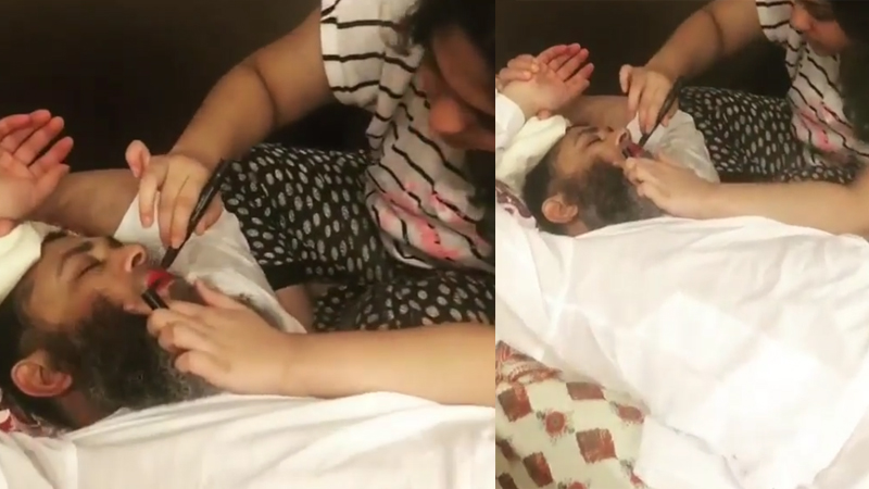 Mushtaq Ahmed Daughter Putting Lipstick On Father, Pakistani Fans Remarks Her Clothes