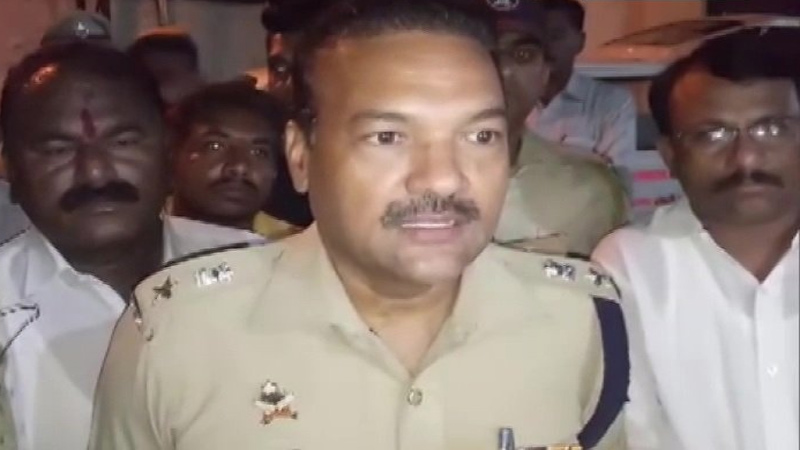 five people dead in attack on local bjp leader his family in maharashtra