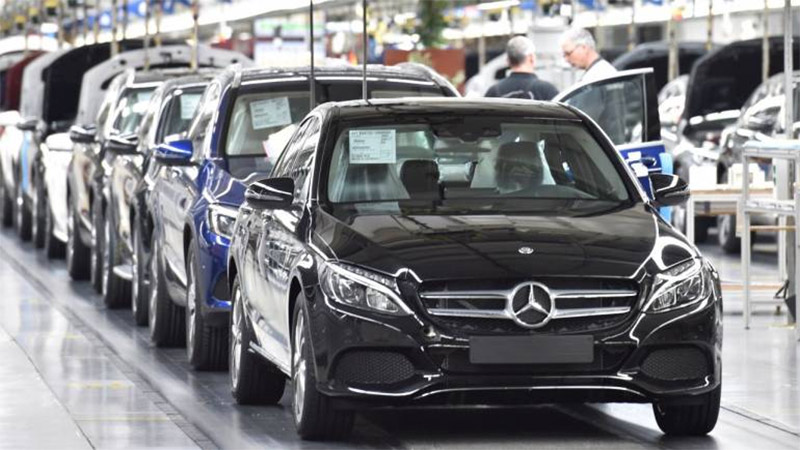 mercedes benz delivered 200 cars in a day on festival sale