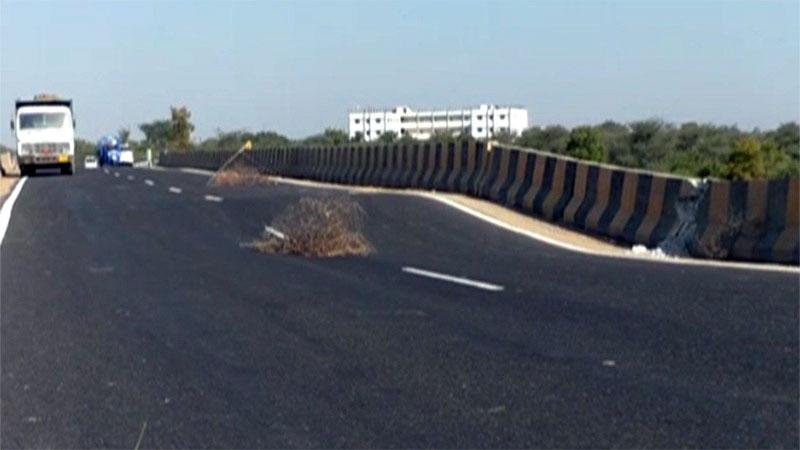 mehsana high way bridge band company clean chit overload vehicle reason