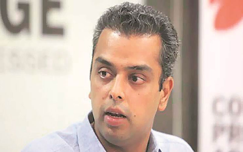 mumbai congress president milind deora tenders his resignation from his post nodal
