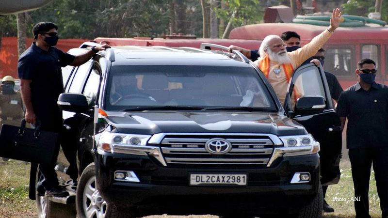 pm narendra modi amit shah election rally road show bjp kalimpong dhupguri