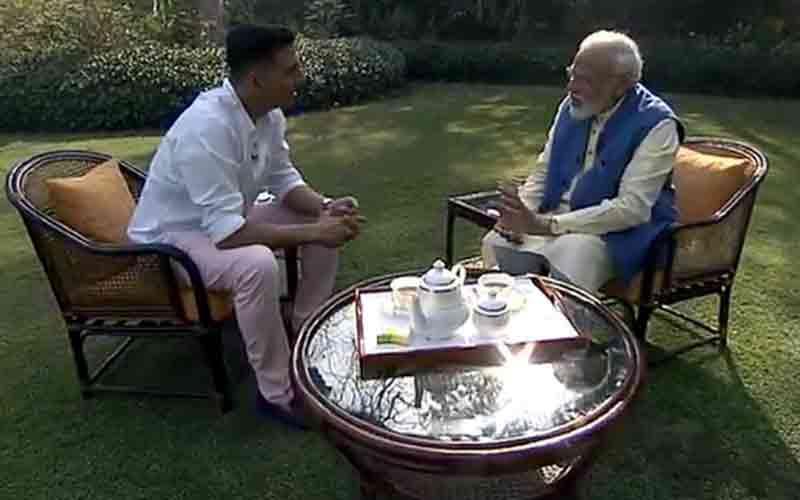 Mamata Didi gifts me kurtas every year PM Modi tells Akshay Kumar