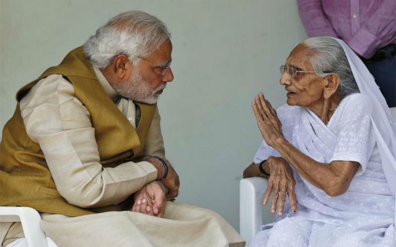 why prime minister narendra modi does not live with mother brother relatives in home