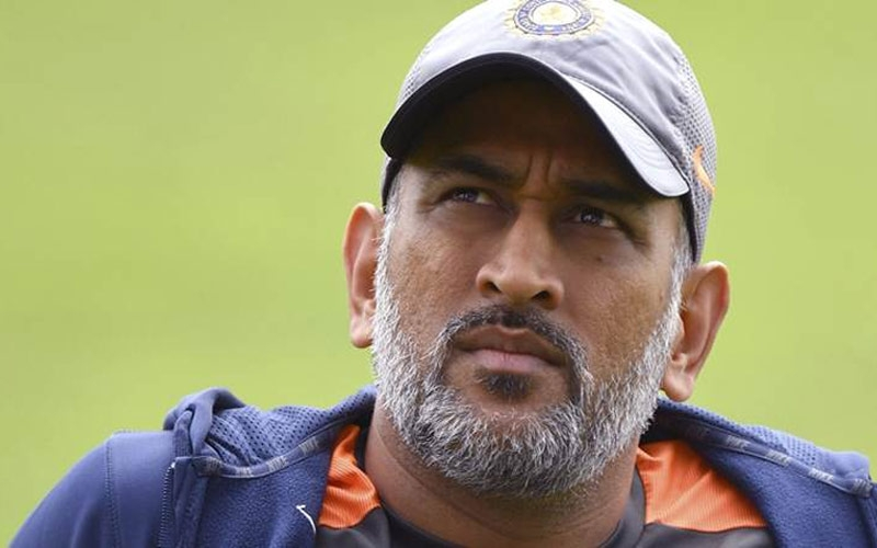 ms-dhoni-reveals-the-reason-behind-stepping-down-from-captaincy