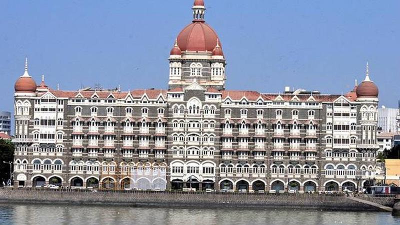 mumbai taj hotel get threat call from pakistan mumbai police on high alert