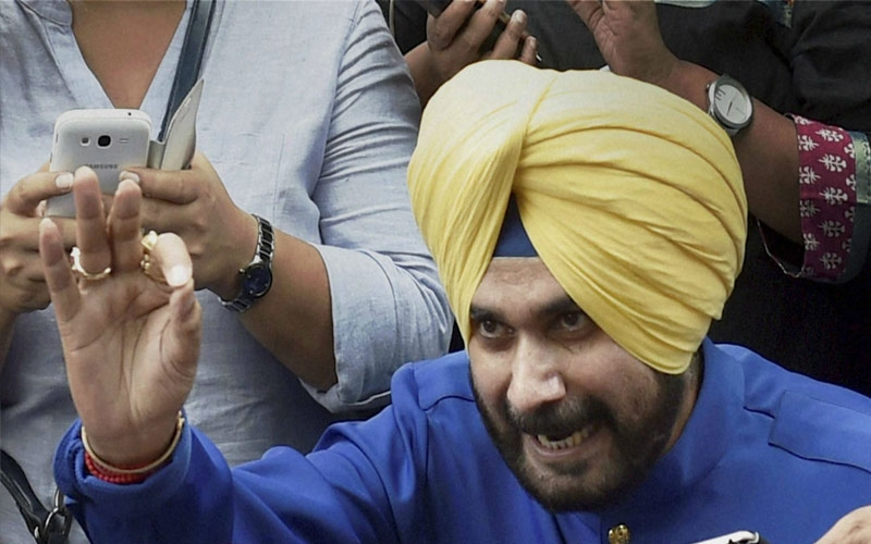 threat-to-losing-voice-navjot-singh-sidhu-advised-complete-rest-for-5-days