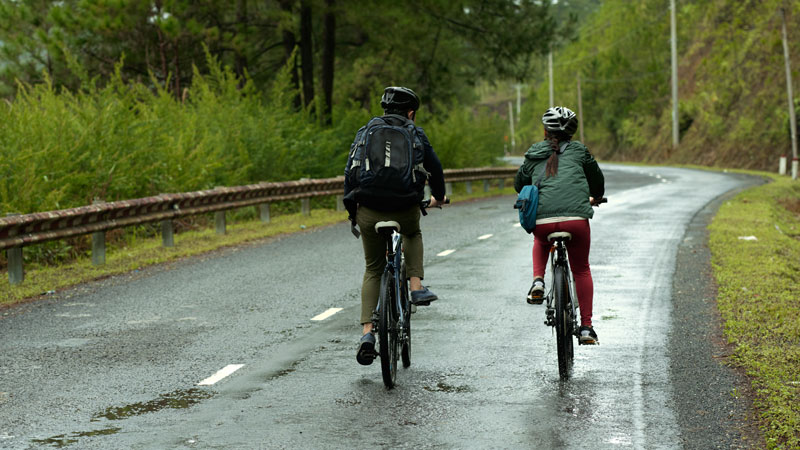 couple crossed 3 countries on bicycle in 3 years