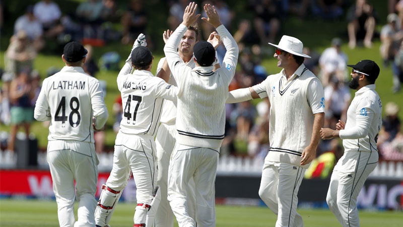 India continues to perform poorly in test match trail by 39 runs against new zealand